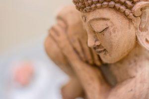 Buddhastatue im Behandlungsraum